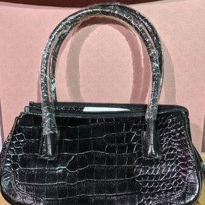 🔥2/$25 Newport news crocodile handbag